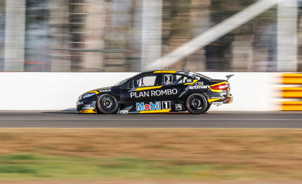 Leonel Pernía - Renault Sport Súper TC2000 Team